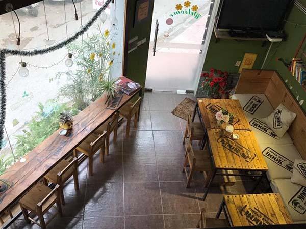 Book coffee shop thiết kế không gian độc lạ