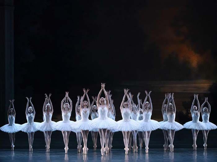 Biểu diễn múa ba-lê tại Nhà hát lớn