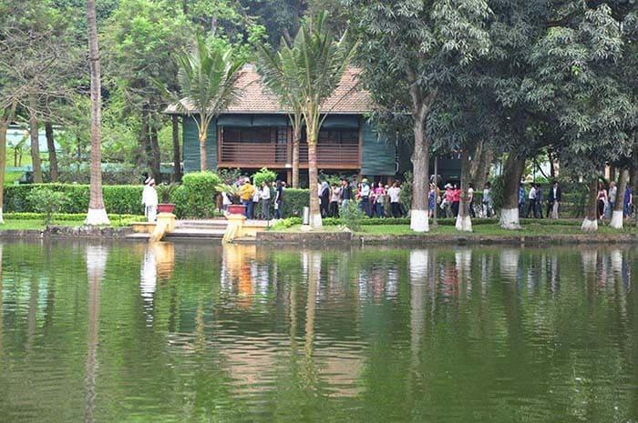 Ao cá của Bác Hồ