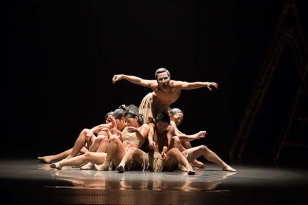 Màn biểu diễn múa đương đại tại Nhà hát lớn