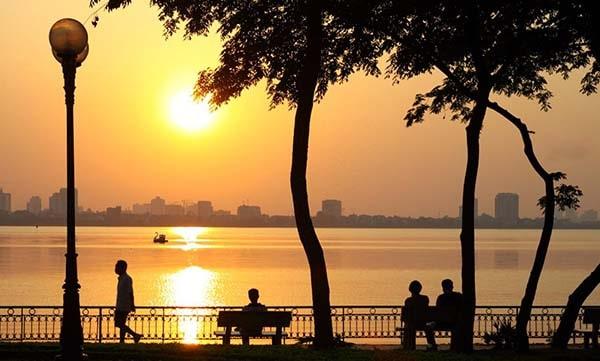 Hồ Tây - nơi yên bình và thanh tịnh nhất Hà Nội