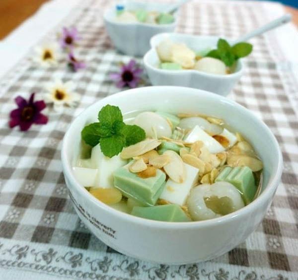 Chè khúc bạch phô mai lá dứa thơm ngậy với mùi lá dứa và nước cốt dừa