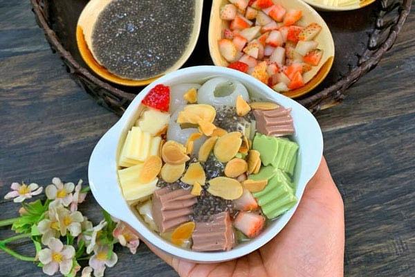 Món chè khúc bạch rau củ được làm từ các nguyên liệu bột rau củ tươi