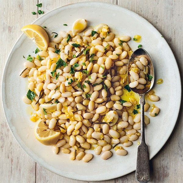 Lượng mỡ trong cơ thể giảm đáng kể nhờ tác dụng giảm tích tụ mỡ từ đậu trắng