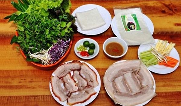 Bánh tráng cuốn thịt heo Hoàng Bèo là một thương hiệu rất nổi tiếng
